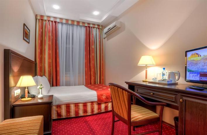 מלון באייקל פלאזה צילום של הוטלס קומביינד - למטייל (3)