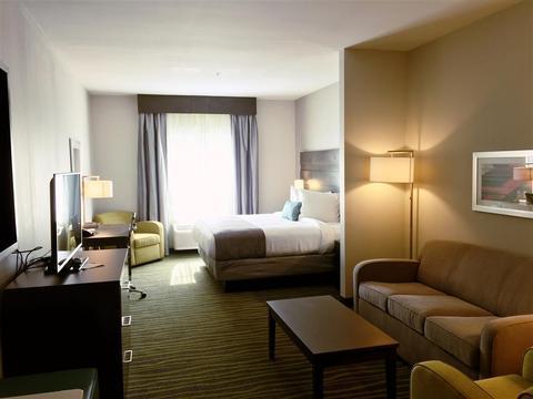 Best Western Plus Prien Lake Inn & Suites