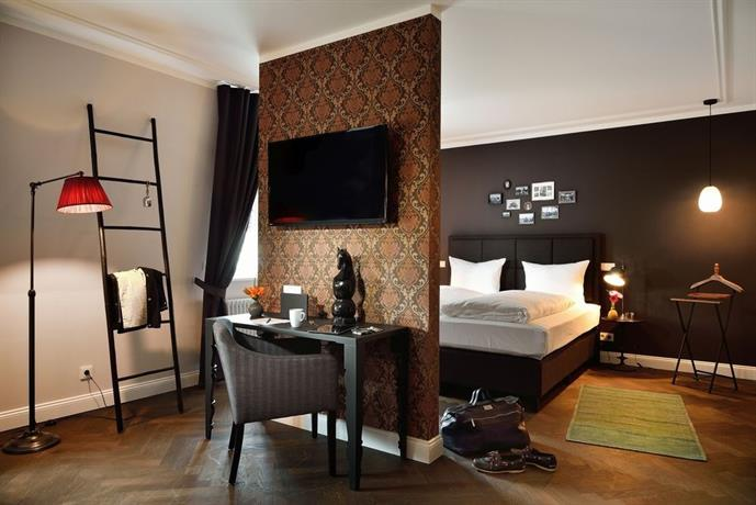 syte hotel mannheim compare deals. Black Bedroom Furniture Sets. Home Design Ideas
