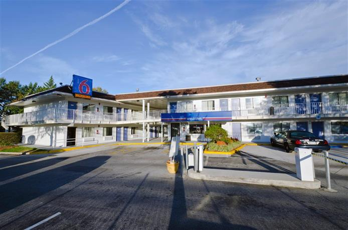 Motel 6 Camp Springs