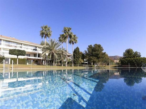 Playa y montana faura valencia compare deals for Hotel familiar valencia playa