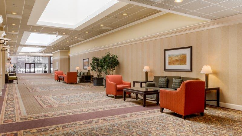 holiday inn chicago crystal lake compare deals. Black Bedroom Furniture Sets. Home Design Ideas
