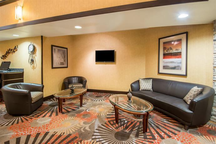 Holiday Inn Express Casper I25  pare Deals