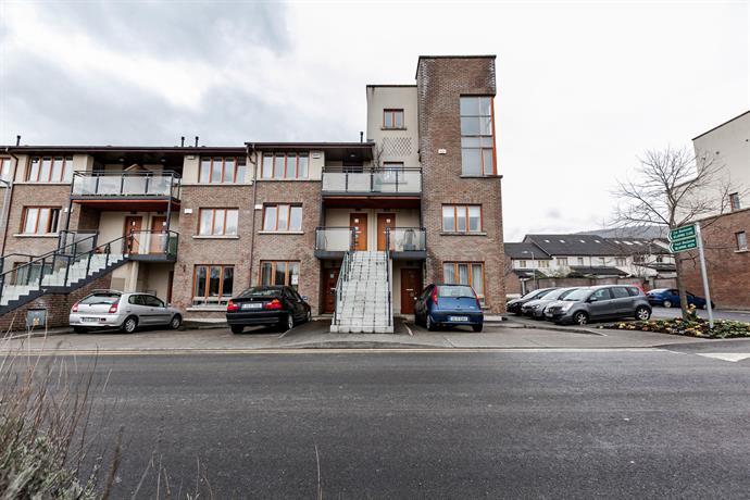 Modern duplex apartment dublin compare deals for Appart hotel dublin