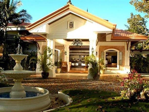 Costabella tropical beach hotel lapu lapu city compare for Chambre hotel lapu lapu