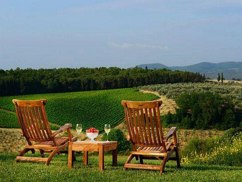 Terrazzo fiorito sulle colline in Toscana, Montaione - Compare Deals