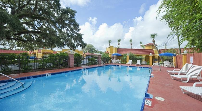 Howard Johnson by Wyndham Historic St Augustine FL