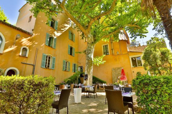 Hotel du parc lorgues compare deals for Hotel du parc