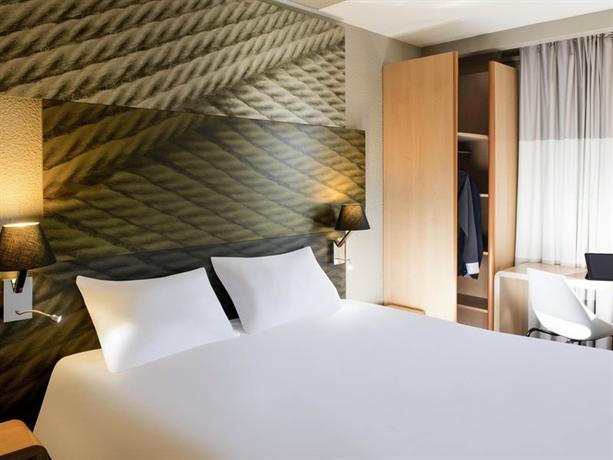 ibis sallanches porte du mont blanc comparez les offres. Black Bedroom Furniture Sets. Home Design Ideas