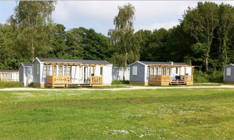 Jelling family camping cottages vejle compare deals for Family cottages