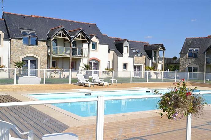 Appart 39 hotel fleurdumont mont saint michel compare deals for Appart hotel dinard
