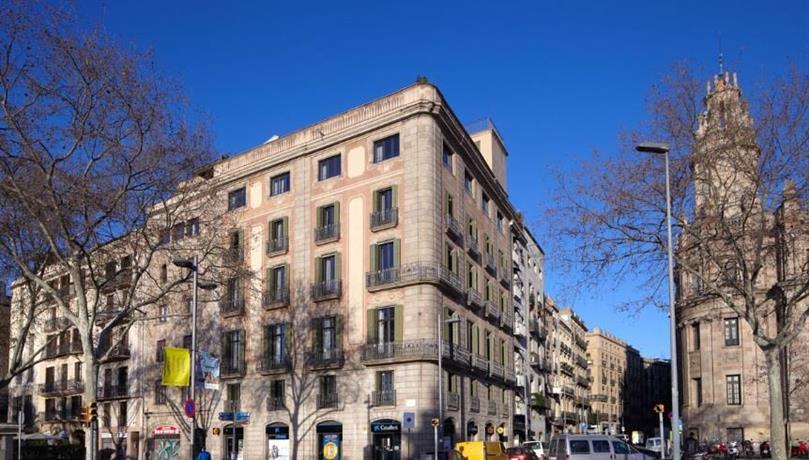 Duquesa suites barcelona barcellona offerte in corso for Offerte hotel barcellona