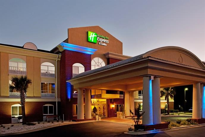 Holiday Inn Express Hotel & Suites Camden South Carolina