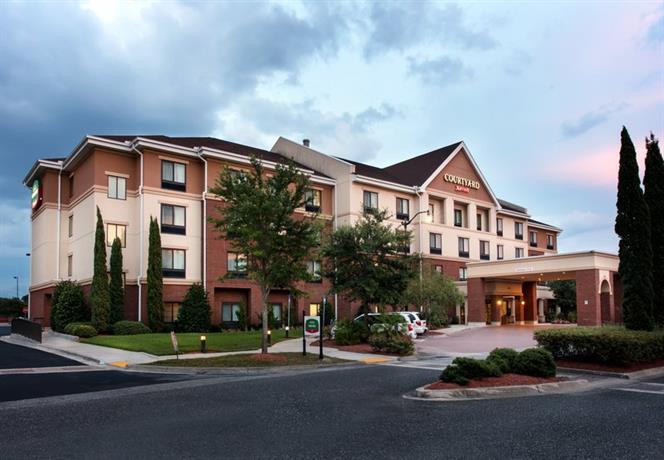 Courtyard by Marriott Jacksonville Northeast/Kendall Town