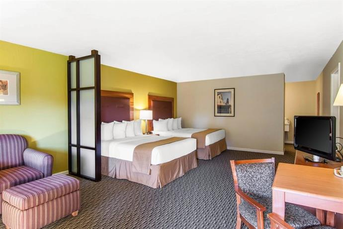 Quality Inn Amp Suites At Coos Bay North Bend Compare Deals