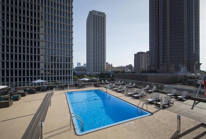 Crowne Plaza Atlanta Midtown Compare Deals
