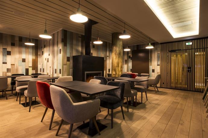 le yule hotel spa val d 39 isere compare deals. Black Bedroom Furniture Sets. Home Design Ideas