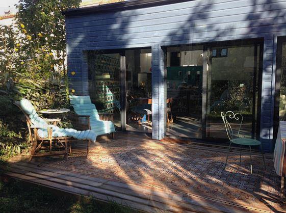 la maison bleue reze compare deals. Black Bedroom Furniture Sets. Home Design Ideas