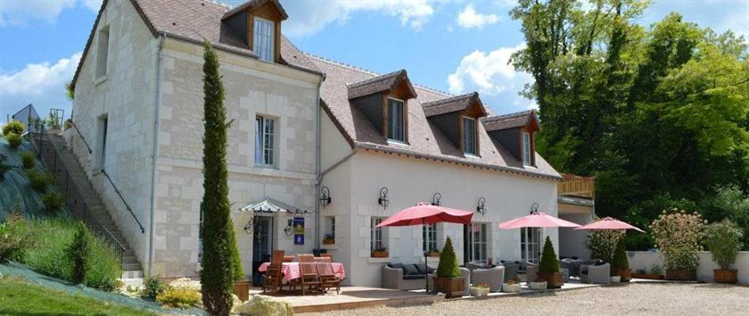 dating in seigy fr Hotel les chambres panda in seigy, france for more information, photos dating someone with a travel itch makes love an adventure.