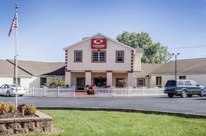 Econo Lodge Inn & Suites Denver