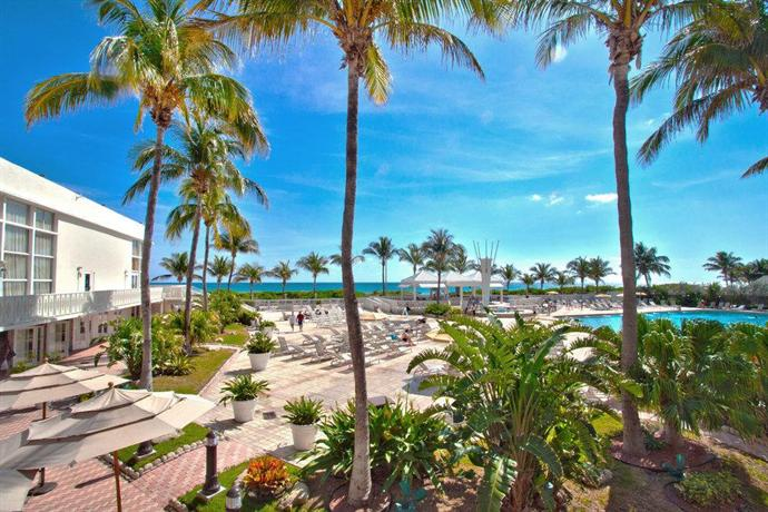 Deauville beach resort miami beach compare deals for Hotels deauville