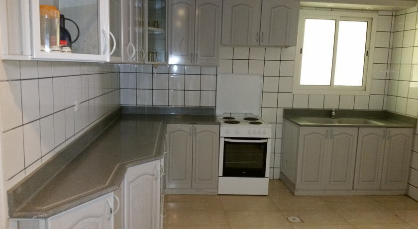 Mkani apartment al khobar compare deals for Interieur algerie