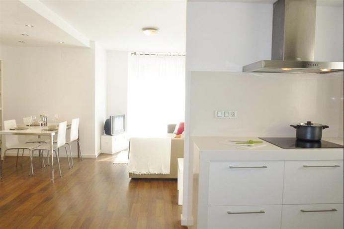 Singular apartments genoveva valencia compare deals - Singular kitchen valencia ...