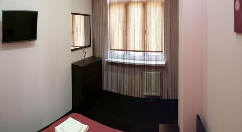 Lux apart lviv compare deals for Appart hotel luxe