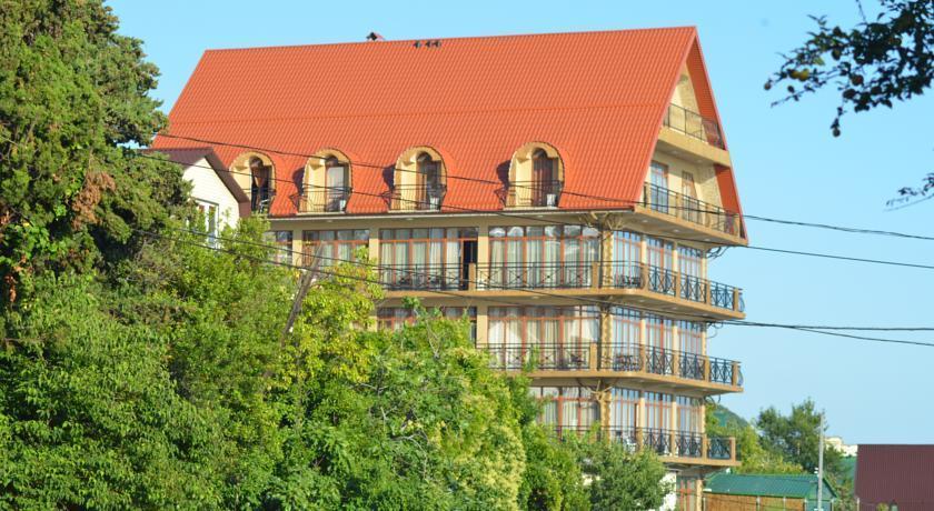 Отель Амвель