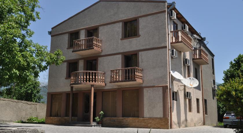 Hotel Kavkasioni