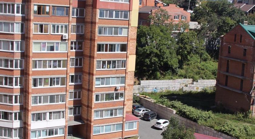 Apartment Davydova 35