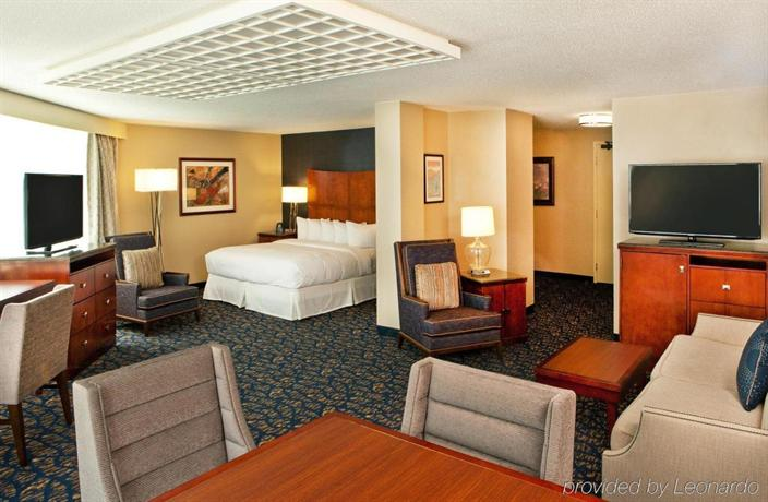 DoubleTree by Hilton Hotel Nashville-Downtown