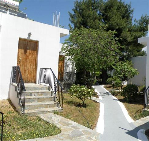 petit village hotel eretria compare deals. Black Bedroom Furniture Sets. Home Design Ideas