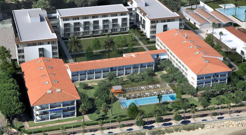Estival el dorado resort cambrils compare deals for El dorado cabins