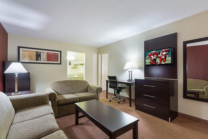 Red Roof Inn Amp Suites Addison Compare Deals