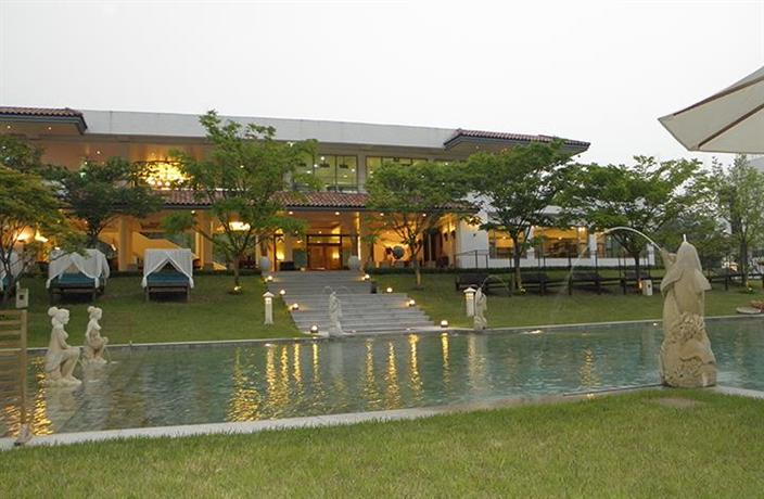 Club Inner Hotel & Resort