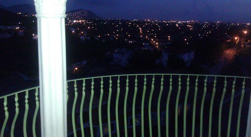 Casa Tianna Vacation Rental Kgn Jamaica Kingston
