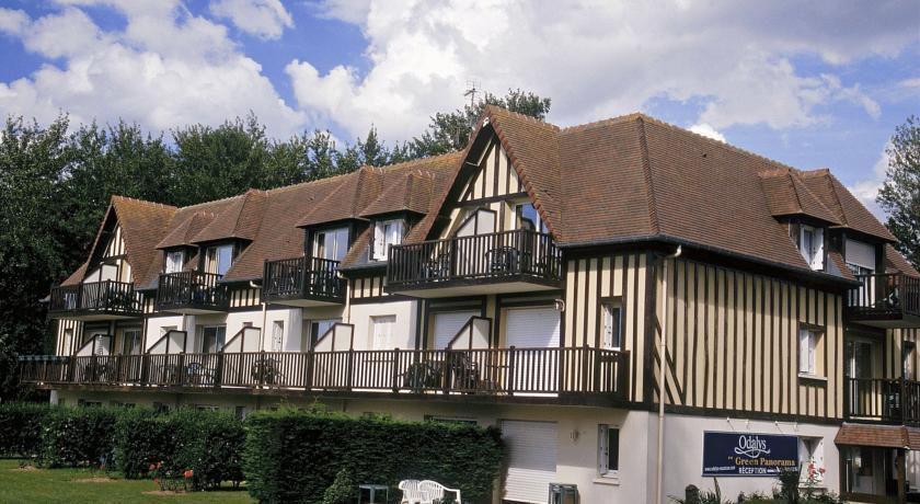 Green panorama hotel cabourg varaville compare deals for Hotels cabourg