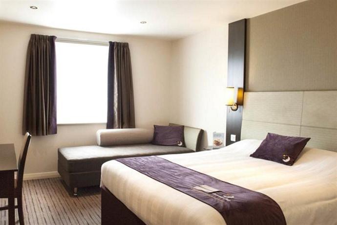 Premier Inn London Kingston Upon Thames Hotel