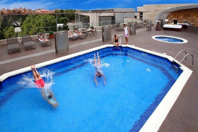 Amura Alcobendas Hotel Compare Deals