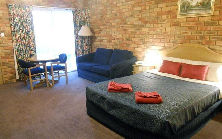 pines country club motor inn shepparton compare deals. Black Bedroom Furniture Sets. Home Design Ideas