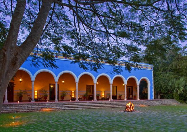 Hacienda santa rosa luxury hotel merida compare deals for Hotel luxury merida