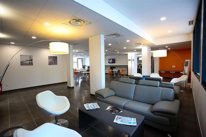 All suites appart hotel orly rungis compare deals for Appart hotel rungis