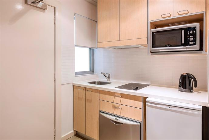 Oaks broome compare deals for Studio apartment kitchen appliances