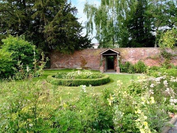 Henlle Hall Cottages Gobowen Compare Deals