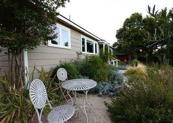 Two Sweet 2 Br home by RedAwning
