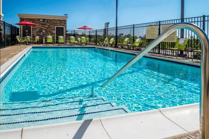 Hampton inn suites la porte tx compare deals for Attractions in la porte tx