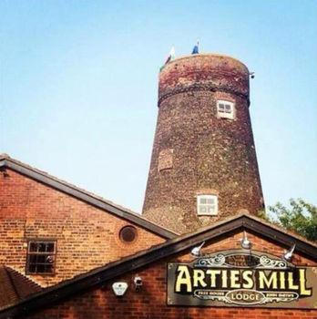 Arties Mill & Lodge Brigg
