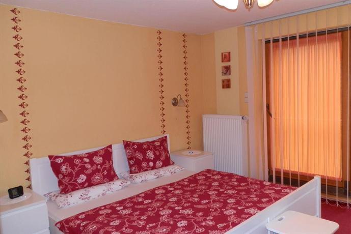 Apartment Ferienhaus-Post 1