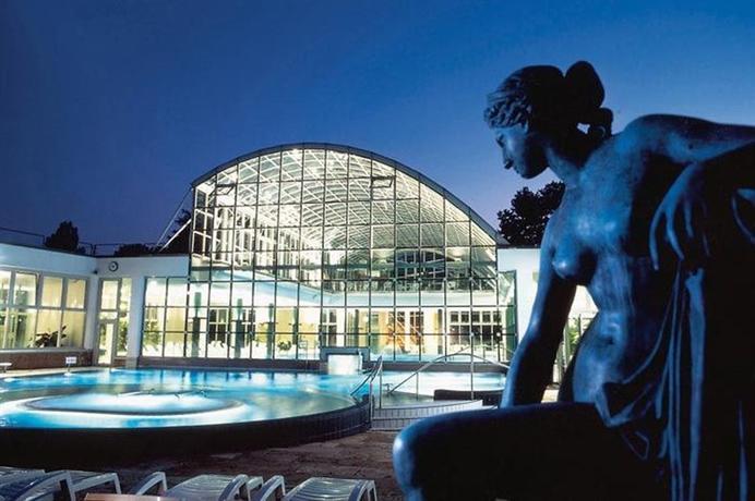 Attimo hotel stuttgart s compare deals for Hotels close to mercedes benz stadium